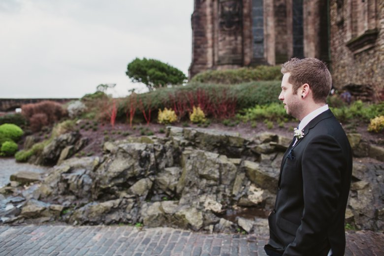 HayleyRyan_EdinburghCastleWedding_ZoeCampbellPhotography_0022
