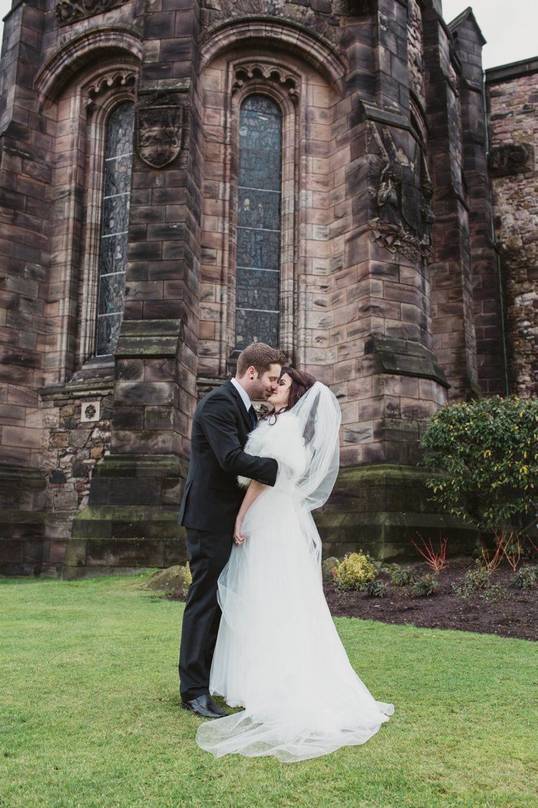 HayleyRyan_EdinburghCastleWedding_ZoeCampbellPhotography_0028