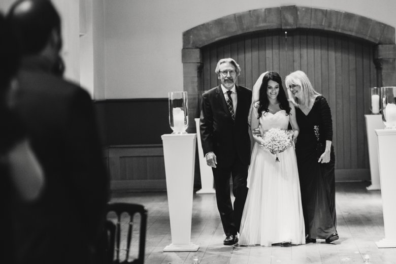 HayleyRyan_EdinburghCastleWedding_ZoeCampbellPhotography_0040