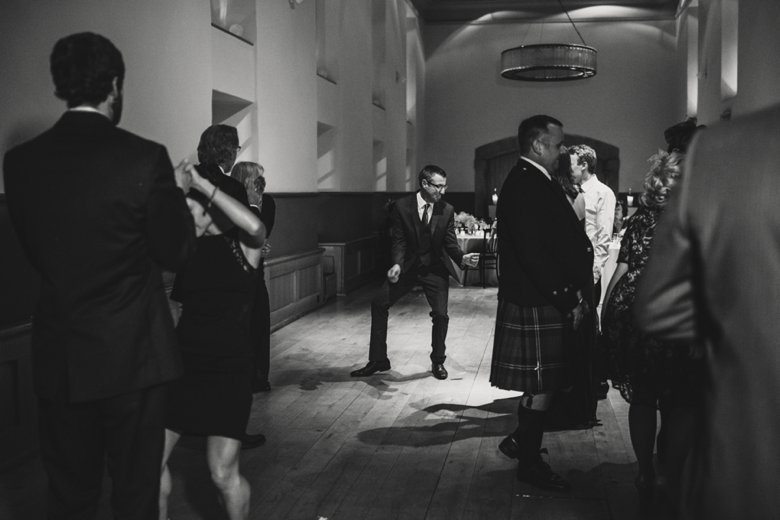 HayleyRyan_EdinburghCastleWedding_ZoeCampbellPhotography_0089