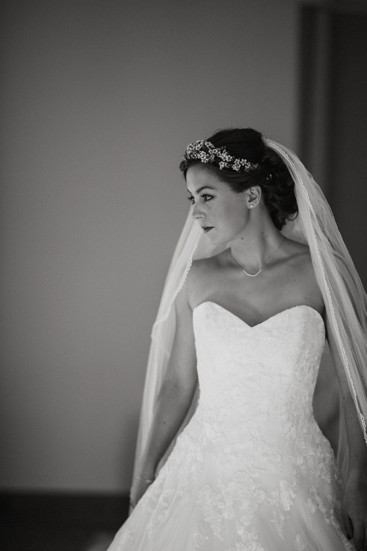black and white of bride ready to get married