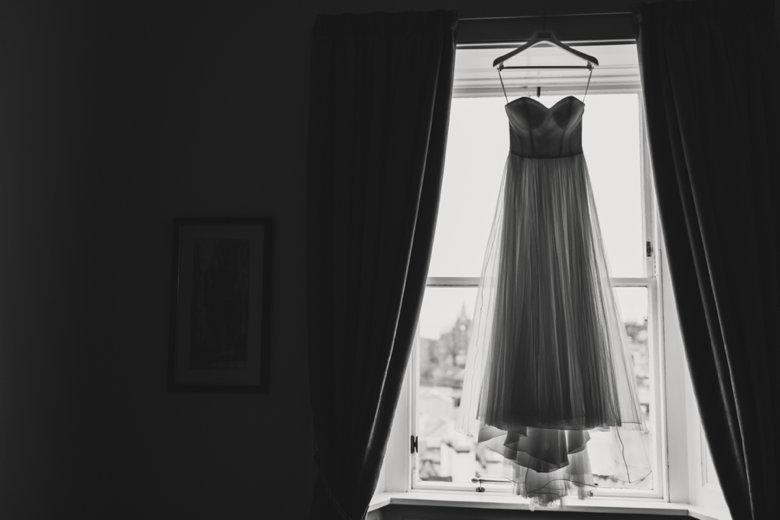 HayleyRyan_EdinburghCastleWedding_ZoeCampbellPhotography_0002