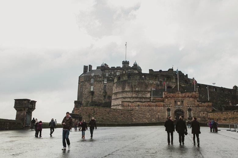 HayleyRyan_EdinburghCastleWedding_ZoeCampbellPhotography_0011