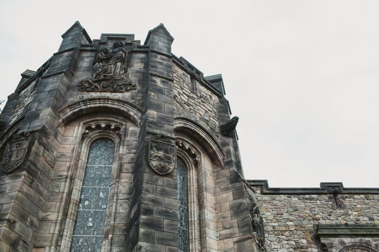HayleyRyan_EdinburghCastleWedding_ZoeCampbellPhotography_0027