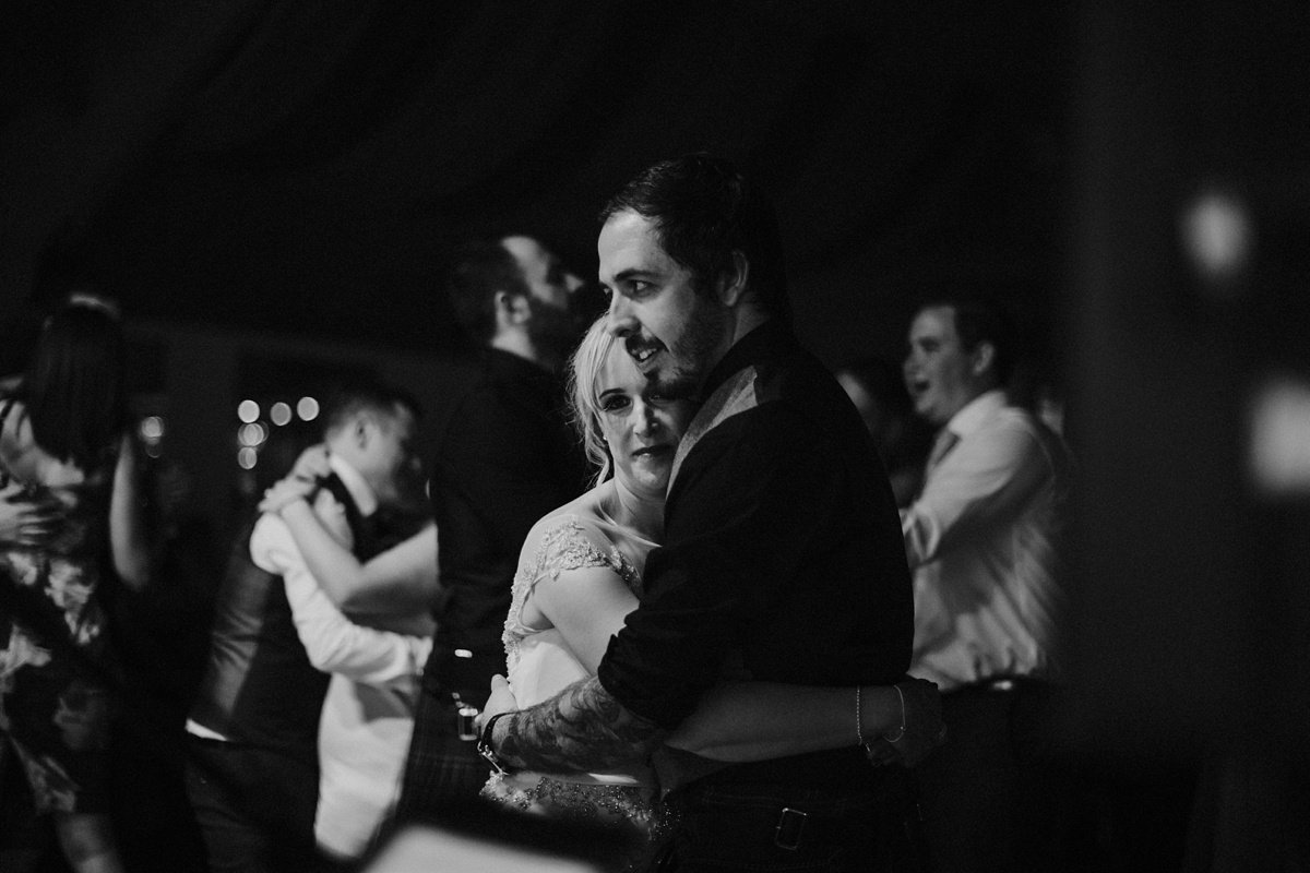 first dance couple at the cruin loch lomond