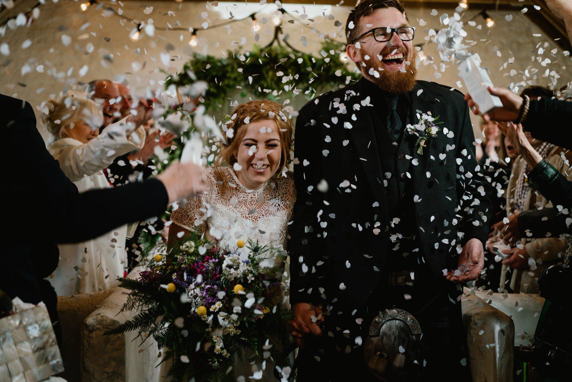 029 STONE BOTHY CEREMONY TIN SHED KNOCKRAICH WEDDING AUSTRIAN SCOTTISH COUPLE CONFETTI ZOE ALEXANDRA PHOTOGRAPHY