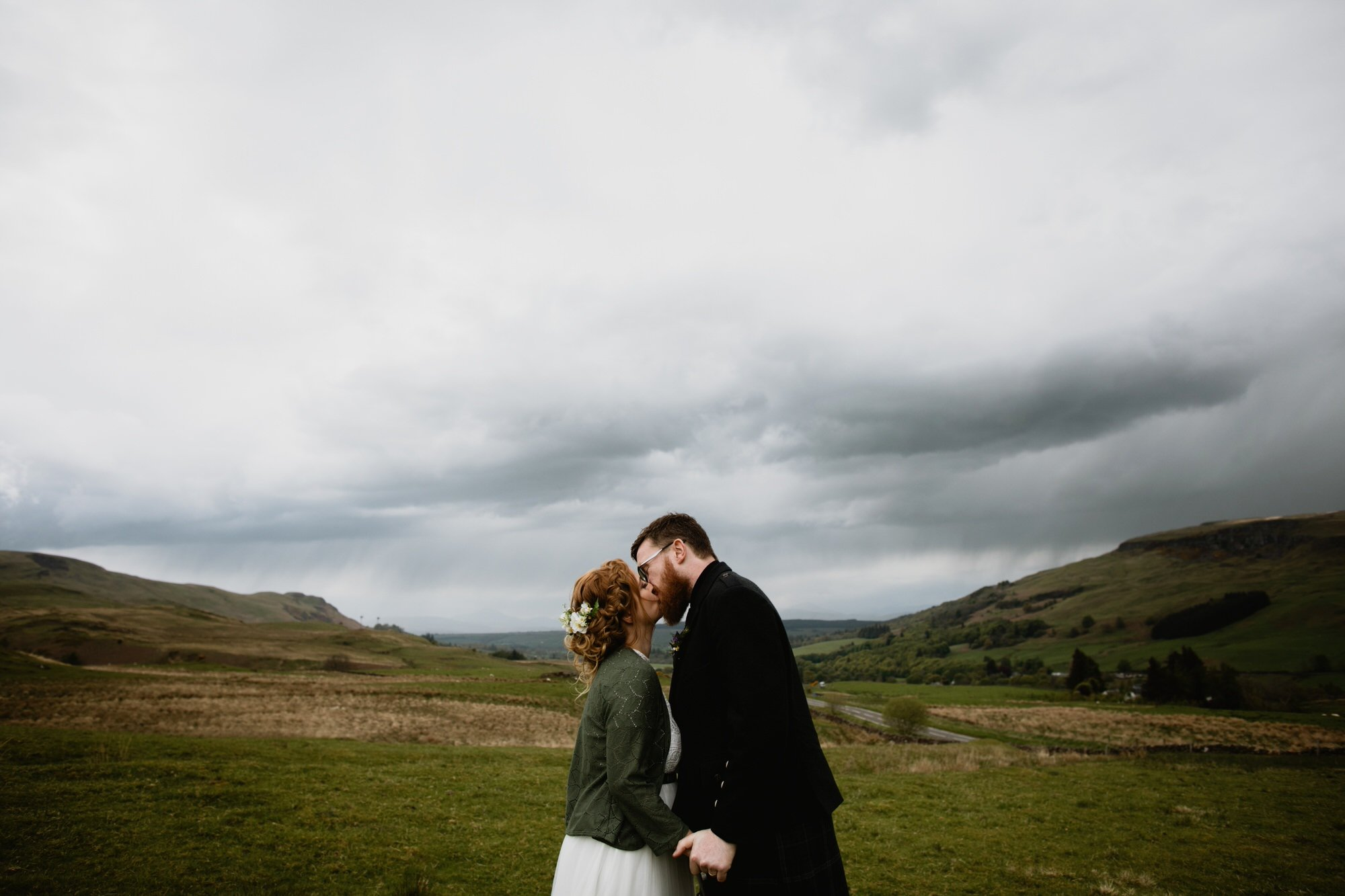 037 TIN SHED KNOCKRAICH WEDDING AUSTRIAN SCOTTISH ZOE ALEXANDRA PHOTOGRAPHY