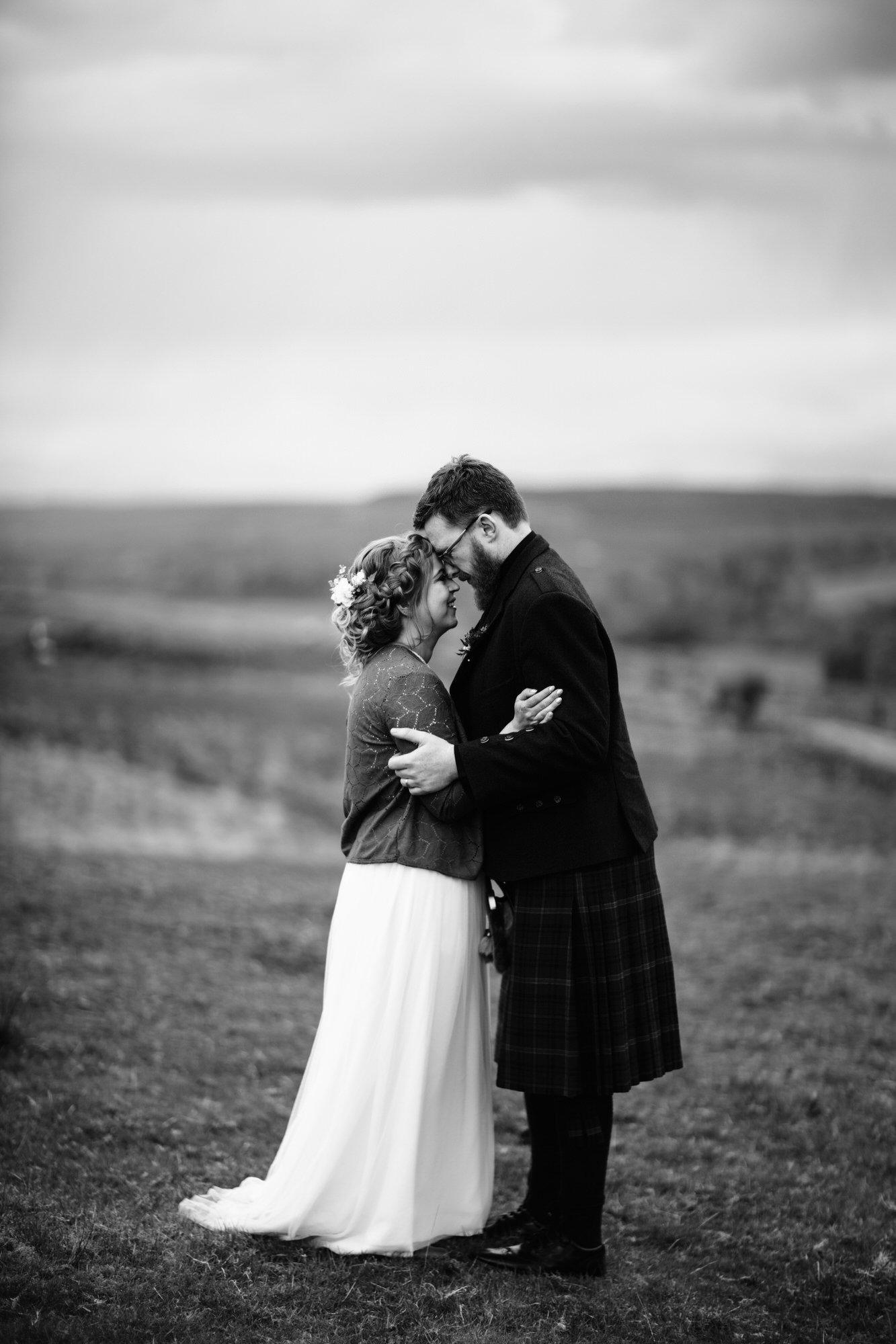 038 TIN SHED KNOCKRAICH WEDDING AUSTRIAN SCOTTISH ZOE ALEXANDRA PHOTOGRAPHY
