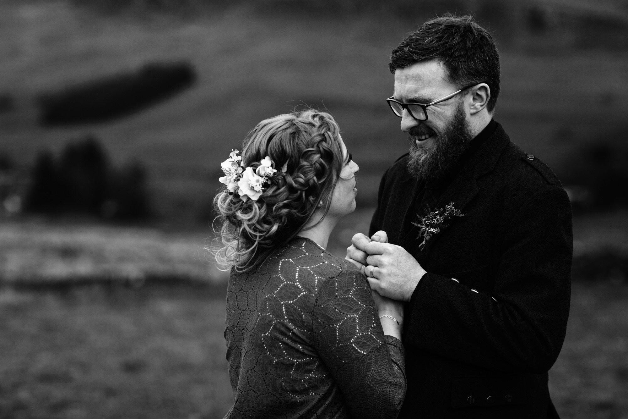 039 TIN SHED KNOCKRAICH WEDDING AUSTRIAN SCOTTISH ZOE ALEXANDRA PHOTOGRAPHY