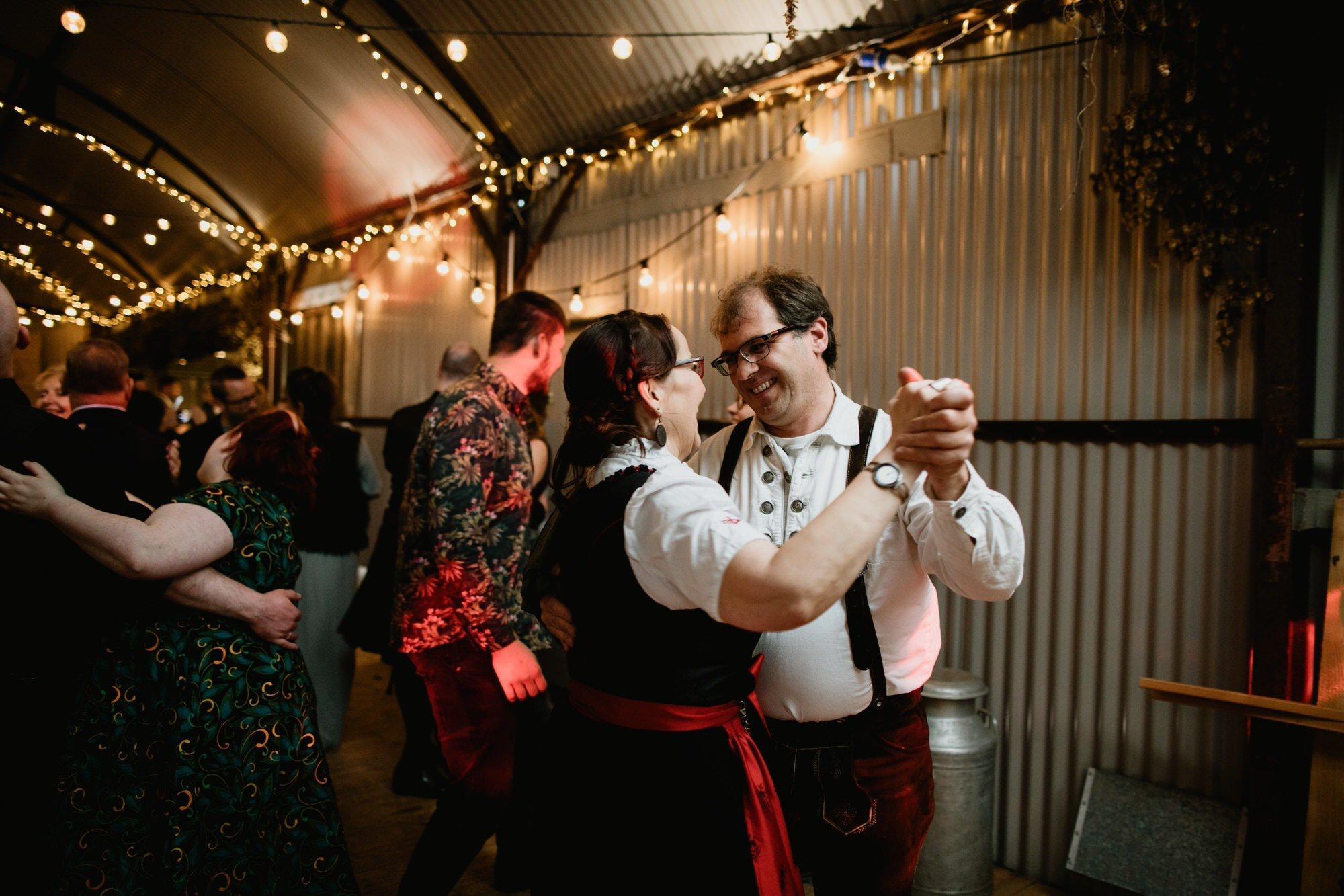 061 TIN SHED KNOCKRAICH WEDDING AUSTRIAN SCOTTISH ZOE ALEXANDRA PHOTOGRAPHY