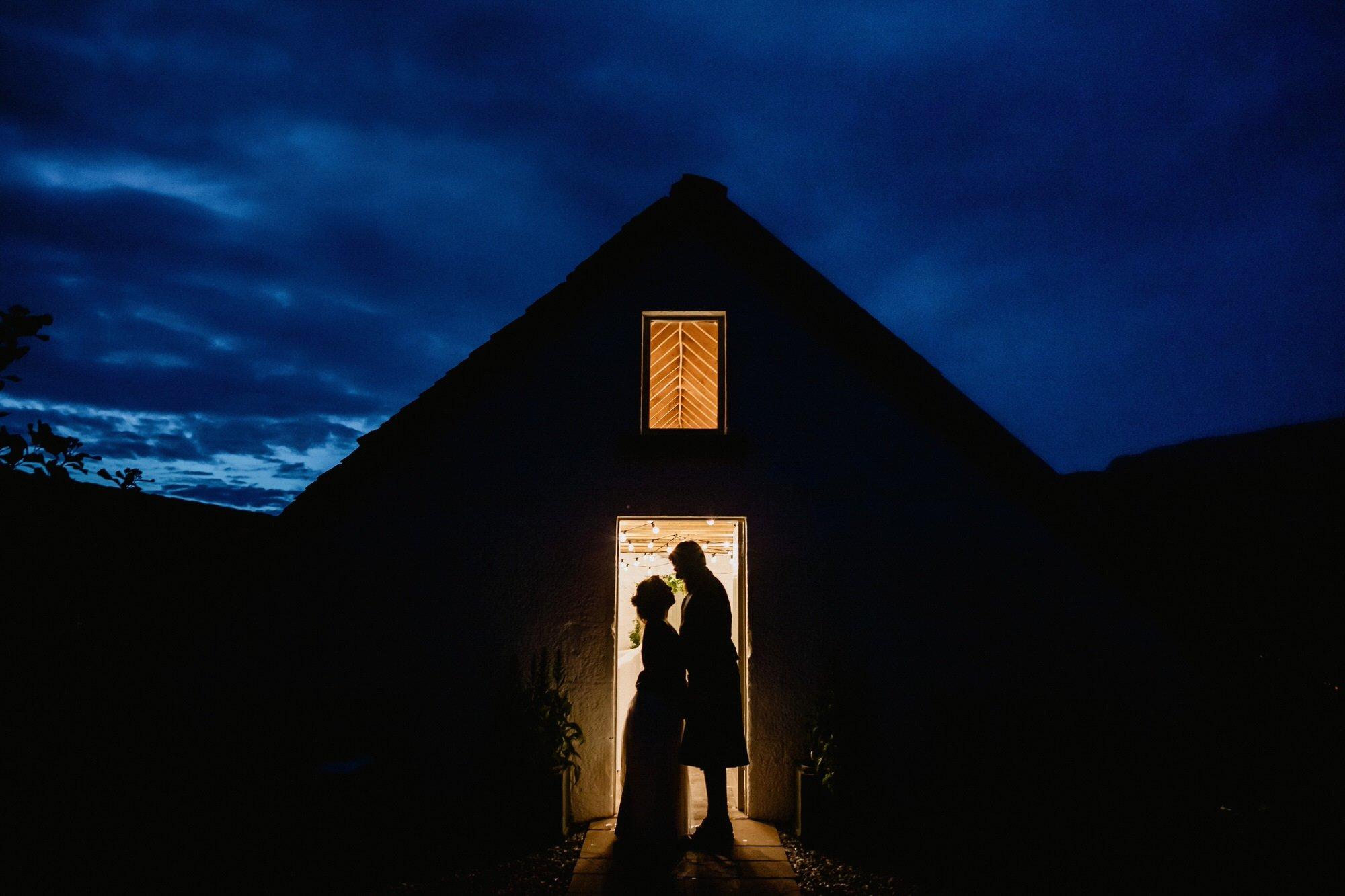 075 STONE BOTHY AT NIGHT TIN SHED KNOCKRAICH WEDDING AUSTRIAN SCOTTISH ZOE ALEXANDRA PHOTOGRAPHY