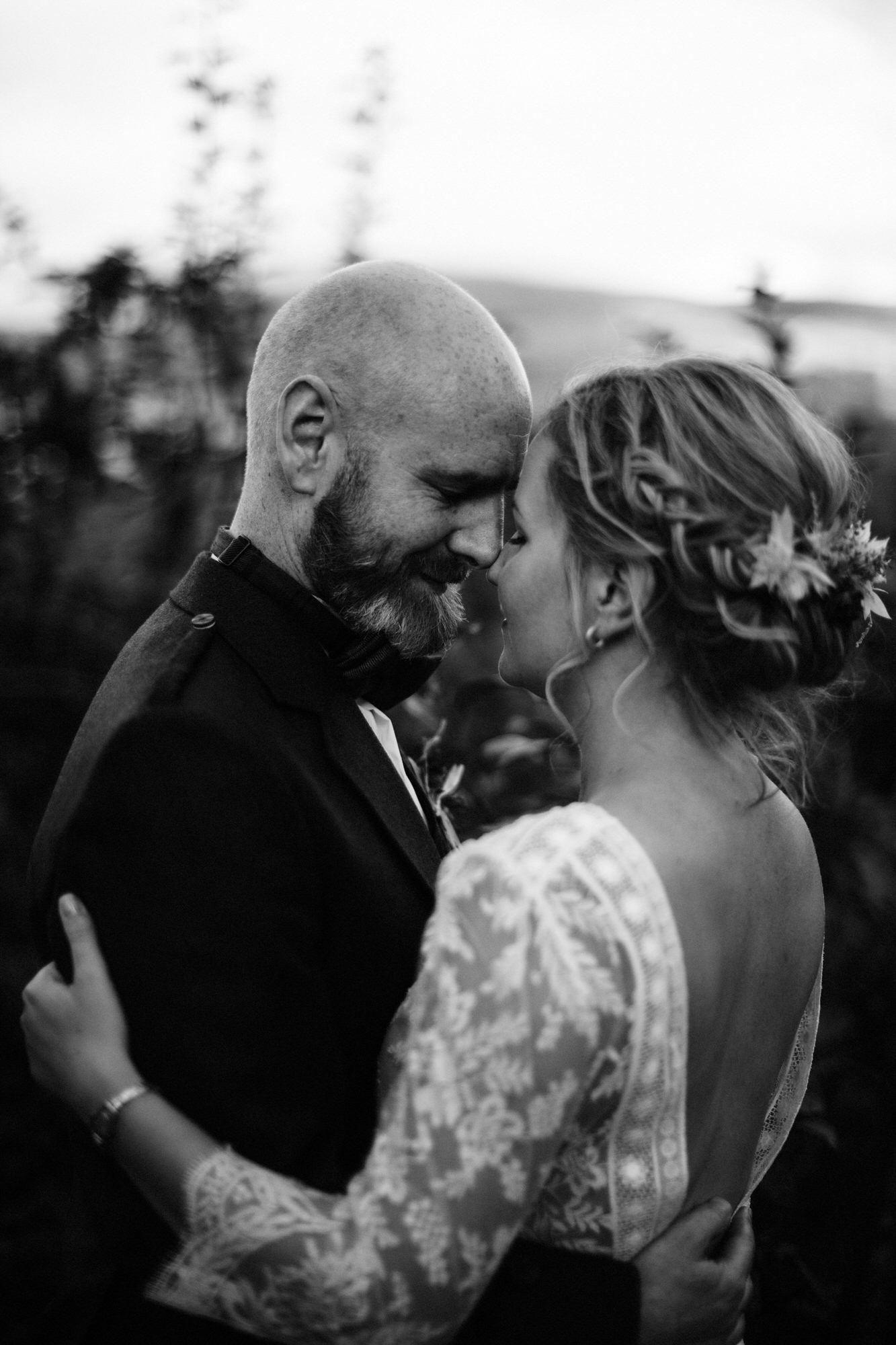 040 TIN SHED KNOCKRAICH WEDDING AUTUMN ZOE ALEXANDRA PHOTOGRAPHY