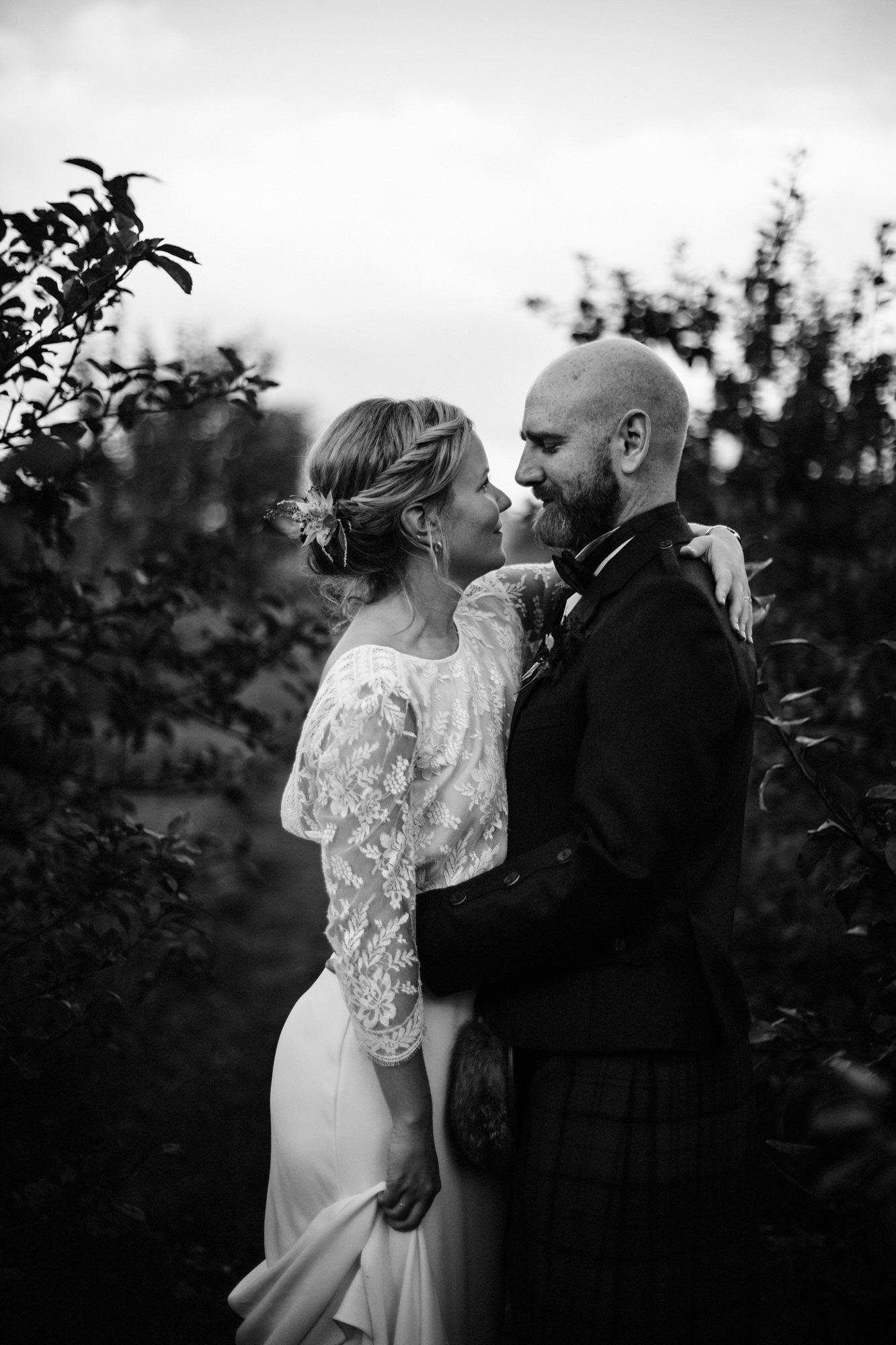 041 TIN SHED KNOCKRAICH WEDDING AUTUMN ZOE ALEXANDRA PHOTOGRAPHY