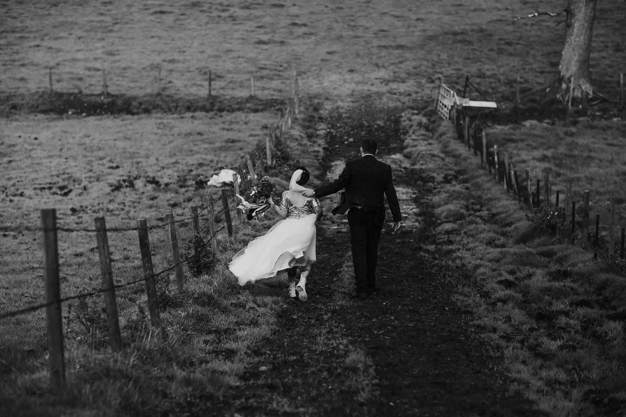 045 TIN SHED KNOCKRAICH FARM WEDDING ALTERNATIVE BRIDE ZOE ALEXANDRA PHOTOGRAPHY