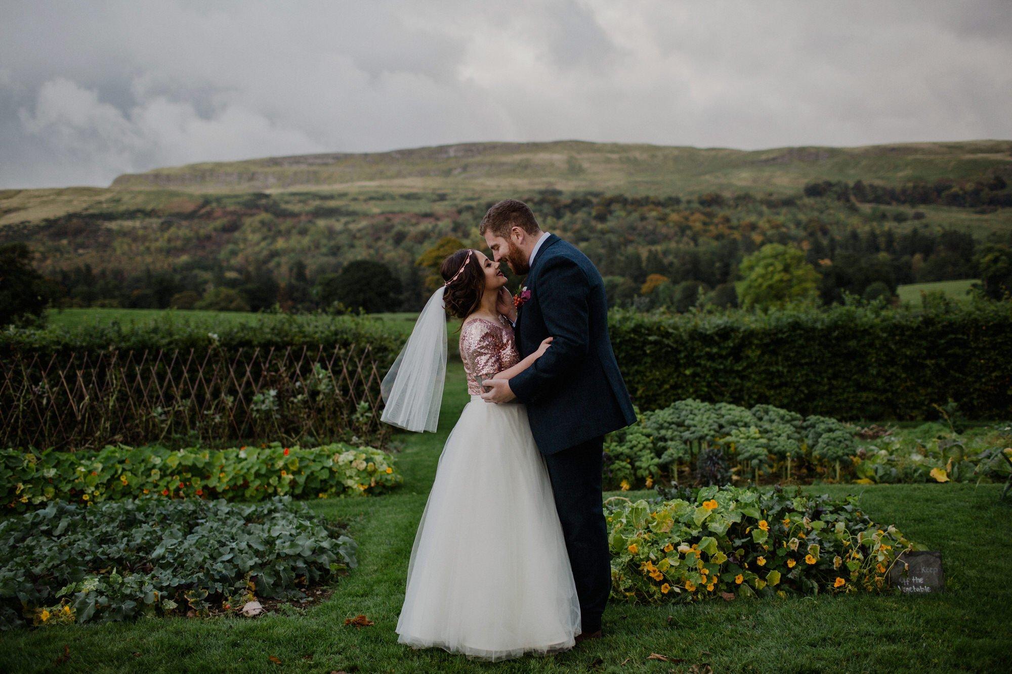 053 TIN SHED KNOCKRAICH FARM WEDDING OUTDOOR CEREMONY ALTERNATIVE BRIDE ZOE ALEXANDRA PHOTOGRAPHY