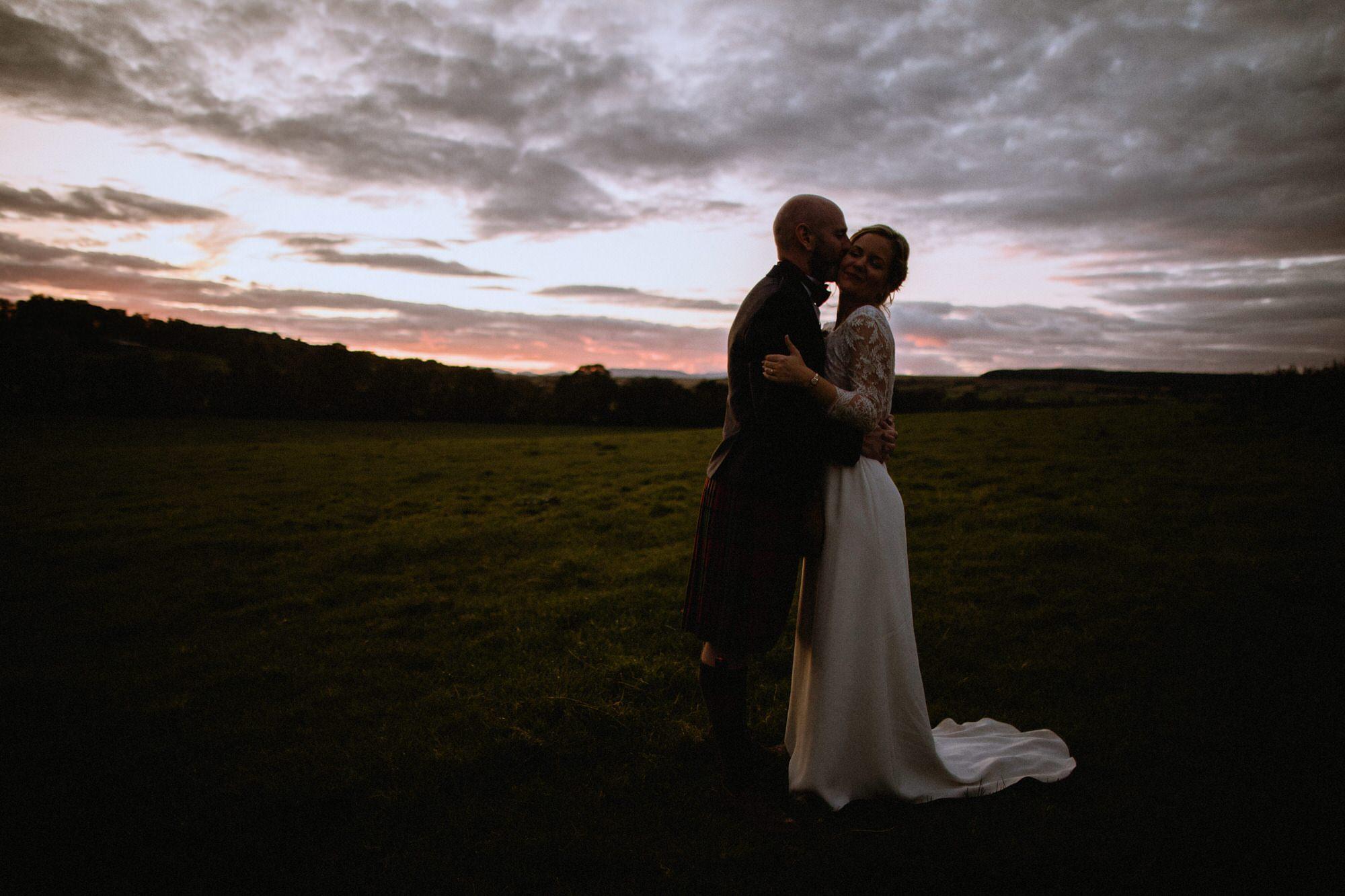 065 STIRLINGSHIRE SUNSET FINTRY GOLDEN HOUR TIN SHED KNOCKRAICH WEDDING AUTUMN ZOE ALEXANDRA PHOTOGRAPHY