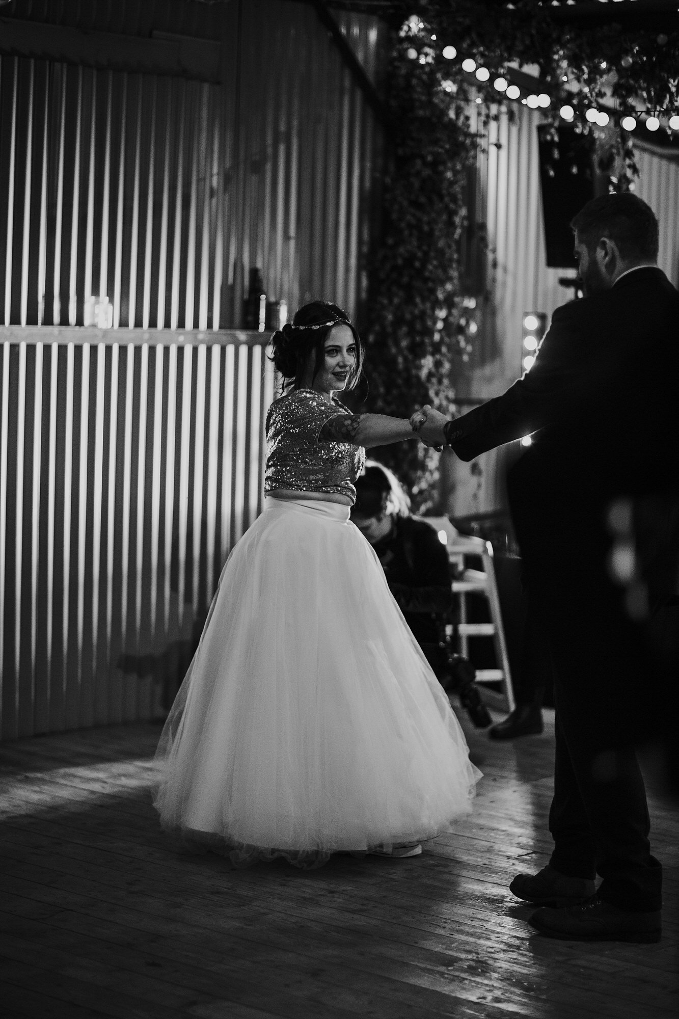 076 TIN SHED KNOCKRAICH FARM WEDDING ALTERNATIVE BRIDE ZOE ALEXANDRA PHOTOGRAPHY