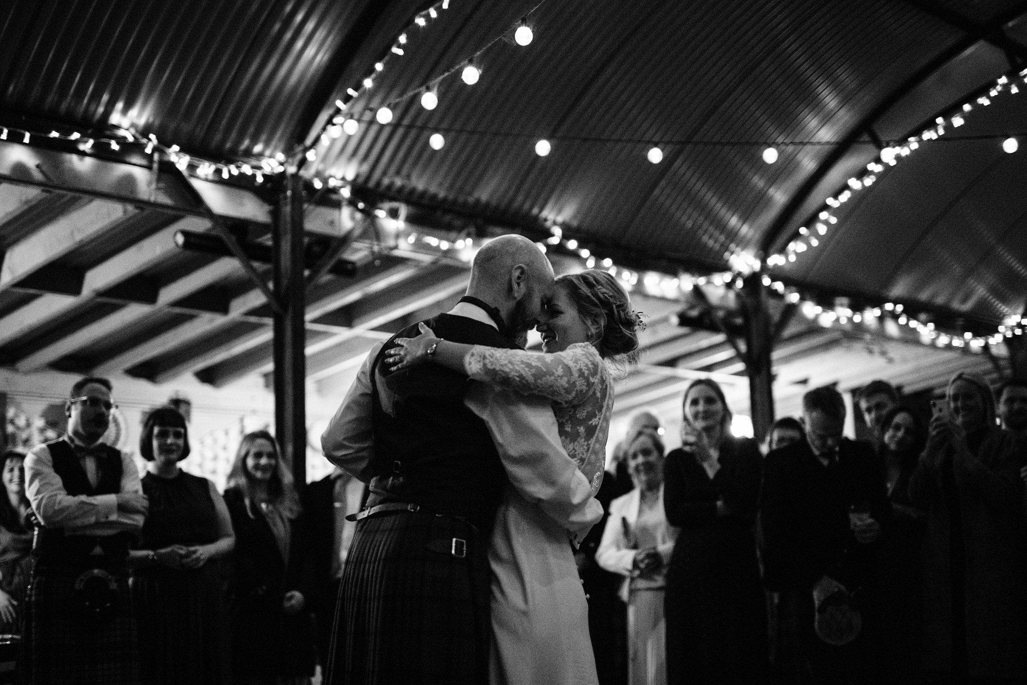 078 WEDDING FIRST DANCE TIN SHED KNOCKRAICH FARM AUTUMN ZOE ALEXANDRA PHOTOGRAPHY