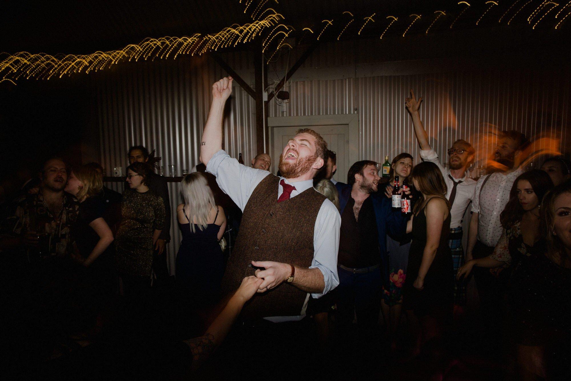 086 TIN SHED KNOCKRAICH FARM WEDDING NIGHT PARTY DANCING ALTERNATIVE BRIDE ZOE ALEXANDRA PHOTOGRAPHY